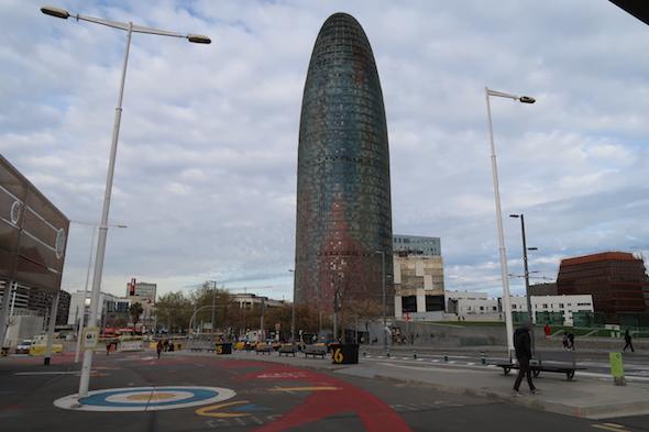 Skleněný mrakodrap Torre Agbar