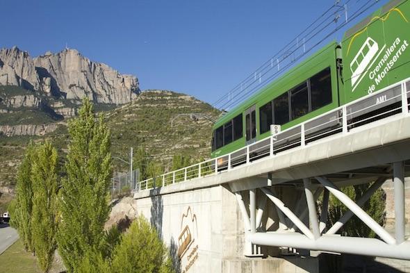 Obrázek vlaku jedoucího na Montserrat