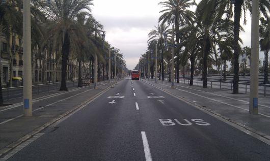 Barcelona má hustou síť autobusových linek.